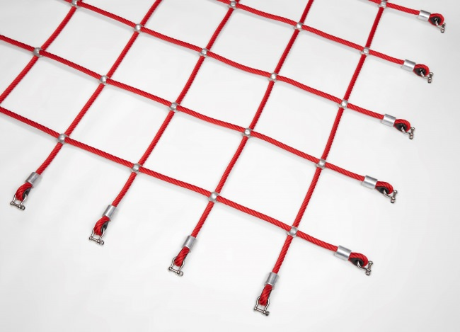 Custom-Made Scrambling Net with Aluminium Knots | Safetynet365