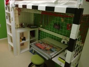 Hallenfußball-Tornetz in Vereinsfarben nach Maß | Schutznetze24